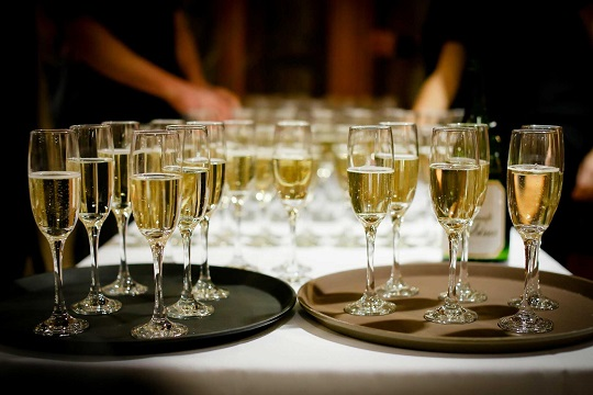 przyjęcie szampan